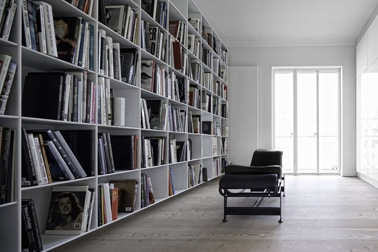 A flat with life and soul, Dinesen