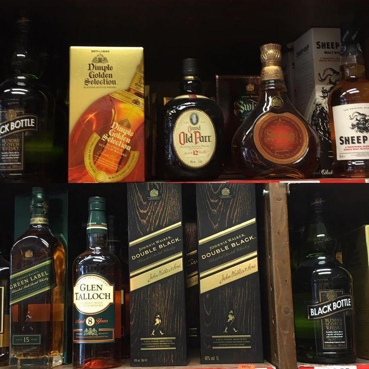 #repost @slijterijaras Double Black en Grand Old Parr!! Bij aankoop van 2 flessen van een liter kost het maar €39,95 per fles. Kan ook in de mix!! #doubleblack #johniewalker #grandoldparr #whiskey #scotch liquorstore slijterijaras #dimplewhisky #dimplewhiskey