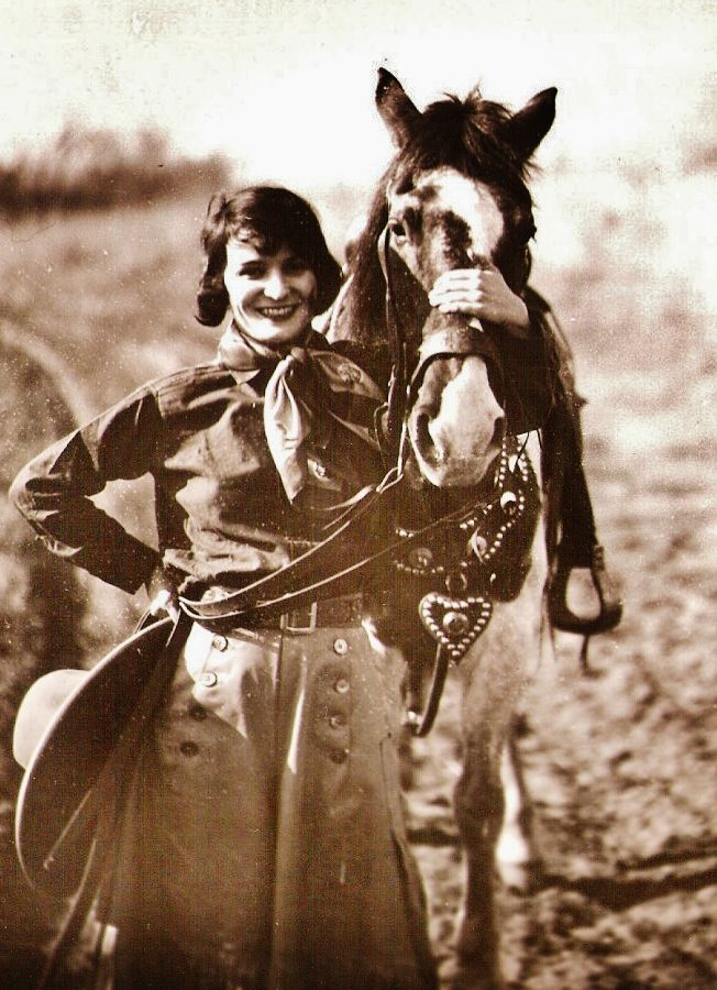 c. 1920s fashion; bob, cowgirl