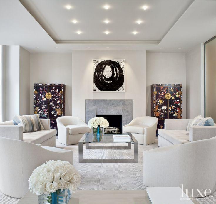 A Modern Manhattan Apartment with a Minimalistic Design
