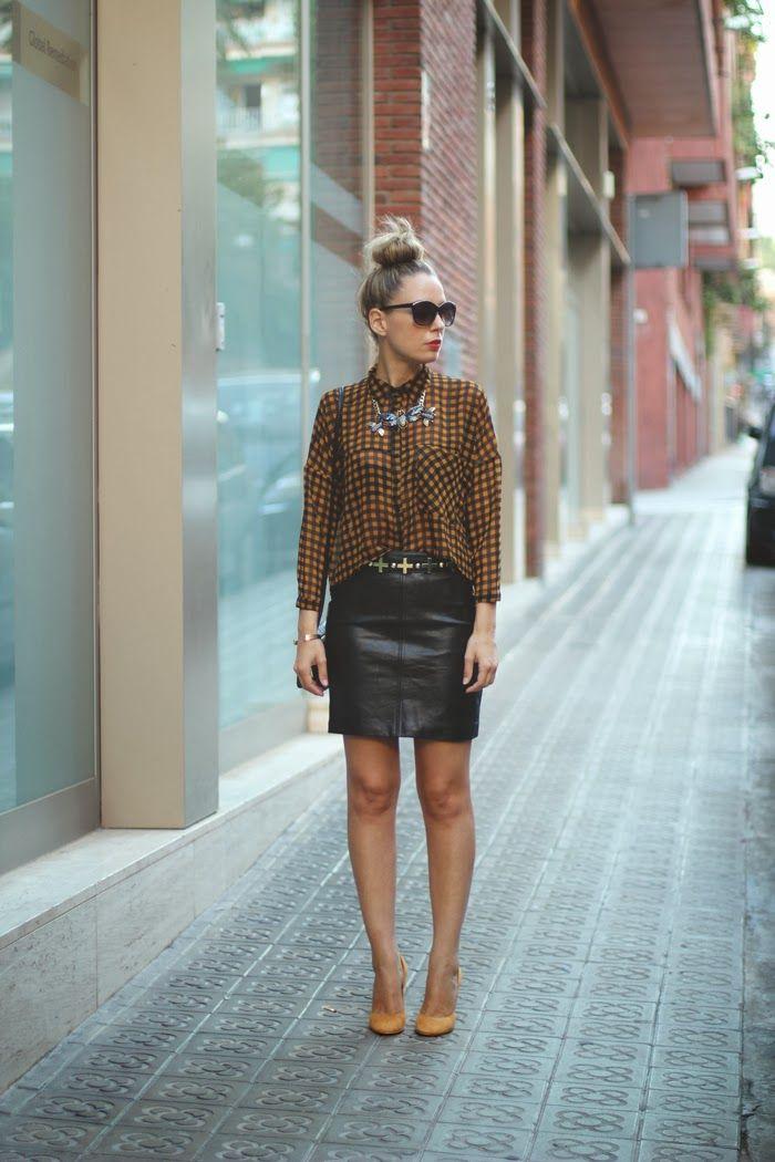 #fashion #fashionista @My Showroom Blog Fashion Blogger, Autumn trends, mini de cuero, camisa de cuadros, moño, zapatos mostaza,