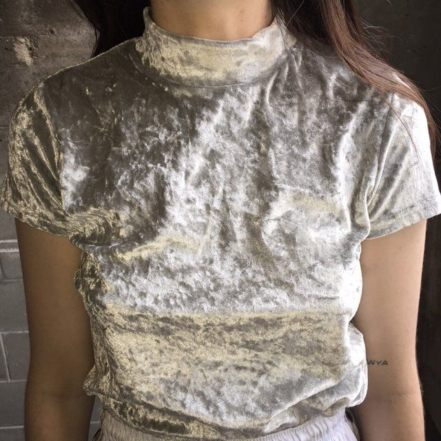 Silver Crushed Velvet Tee (more information, more gold)