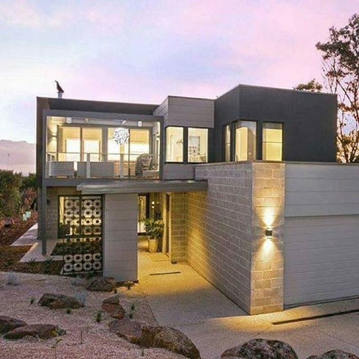 Phenomenal dusky lights behind this stunning home with a blend of mixed facades…