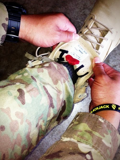 What an awesome reminder!!! A lil message inside his combat boots, for my husband to see everyday while in Afghanistan