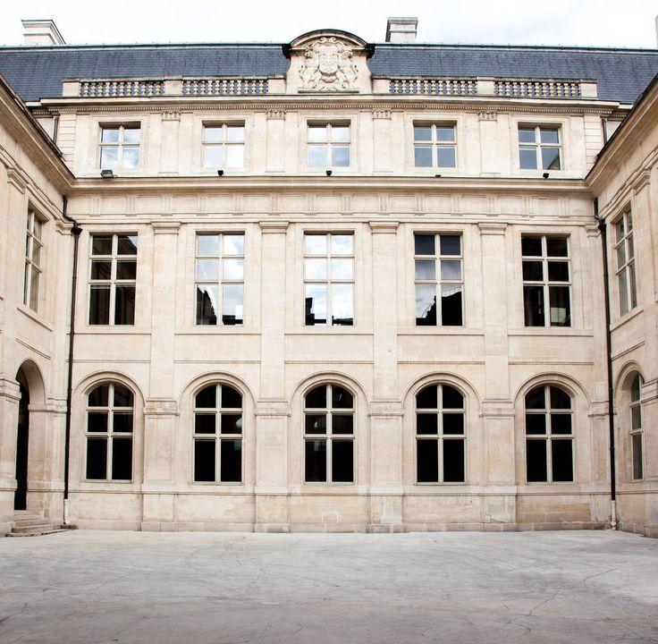 Afbeeldingsresultaat voor Hôtel Colbert de Torcy