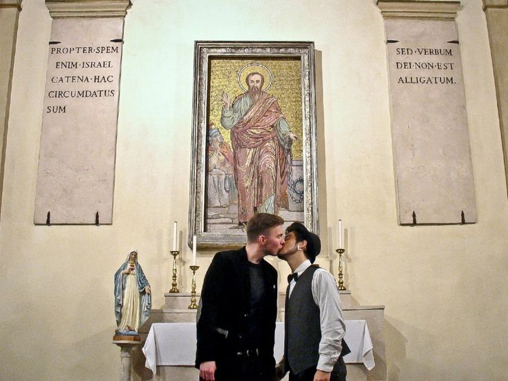 Stolen Kisses by Gonzalo Orquìn