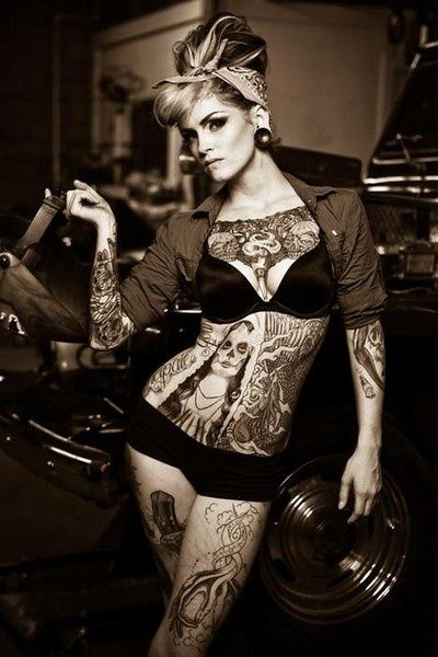 Sexy Pin-up Tattoos and Pin-up Girls with Tattoos - Socialphy http://SexyTattoos.info