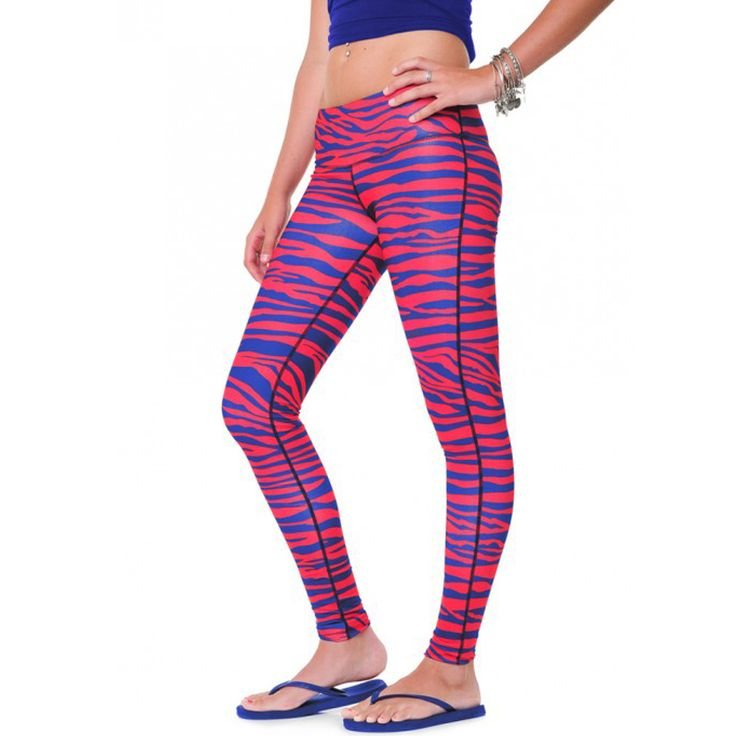 New to the #Bills store --> Buffalo Bills team leggings