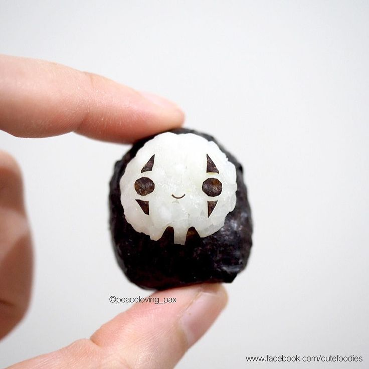 "My tiny ""No face"" onigiri From the movie, he taught us something☺️ #noface…"