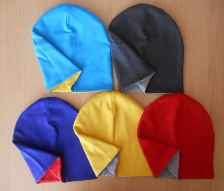 Čiapka ŠMOLKO /obojstranná veľ.80-140  Čiapka je obojstranná a je vyrobená z dvoch vrstiev kvalitného bavlneného úpletu (92%bavlna 8%elastan), ktorý je príjemný na dotyk.   Ušijem vo velkostiach 80-140 a v rôznych farbach viď.vzorkovník.   Možnosť dokúpiť šatku na krk v tej istej farbe...  Veľkosť: ´podla obvodu hlavy