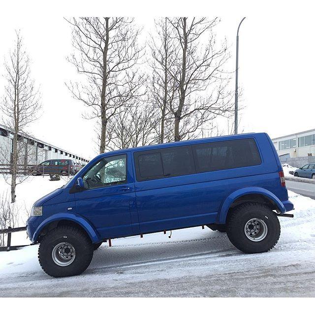 #mulpix Finally got a better shot at the VW T5 Transporter on Prado frame and drivetrain. 🚐 #icelandcarculture #carspottingreykjavik #volkswagen #vw #vwvanagon #vwt5 #vwwesty #westfalia #vwlove #vwbus #vwbulli #vanagon #adventuremobile #offroad #offroadcamper #overland #4x4 #lifted #soloparking #stance #carworld #carstagram #carspotting #carsofinstagram #vanspotting #vanlife #instavan #reykjavik #iceland