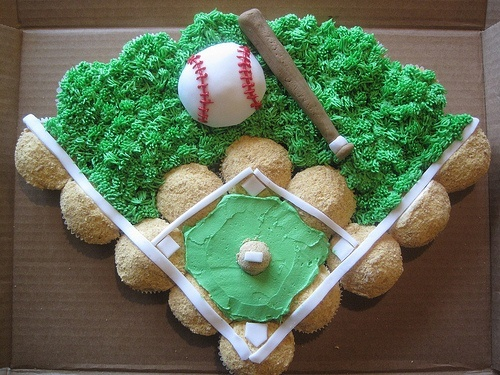 Cute baseball diamond cake!