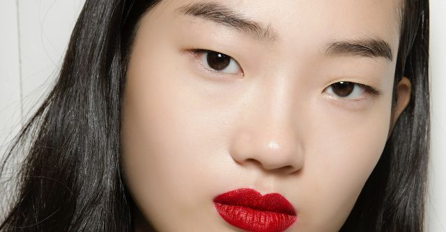 This K-Beauty Eyebrow Thickener Is Going Viral on Instagram  http://www.byrdie.com/k-beauty-eyebrow