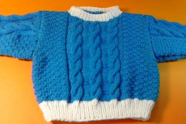 Maglioncino bimbo blu e bianco di Le Creazioni di Manola su DaWanda.com