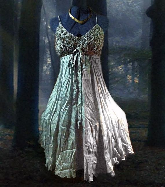 Discount Fantasy Fairy Medieval Gothic Wedding Dresses: 17 Best Ideas About Elvish Dress On Pinterest