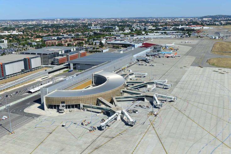 Avec 719 896 passagers, le trafic de l'aéroport de Toulouse-Blagnac a progressé de 15,1 % en mars. Une forte hausse, qui aurait dépassé la barre des 20 % sans l'annulation de près de 300 vols en ra…