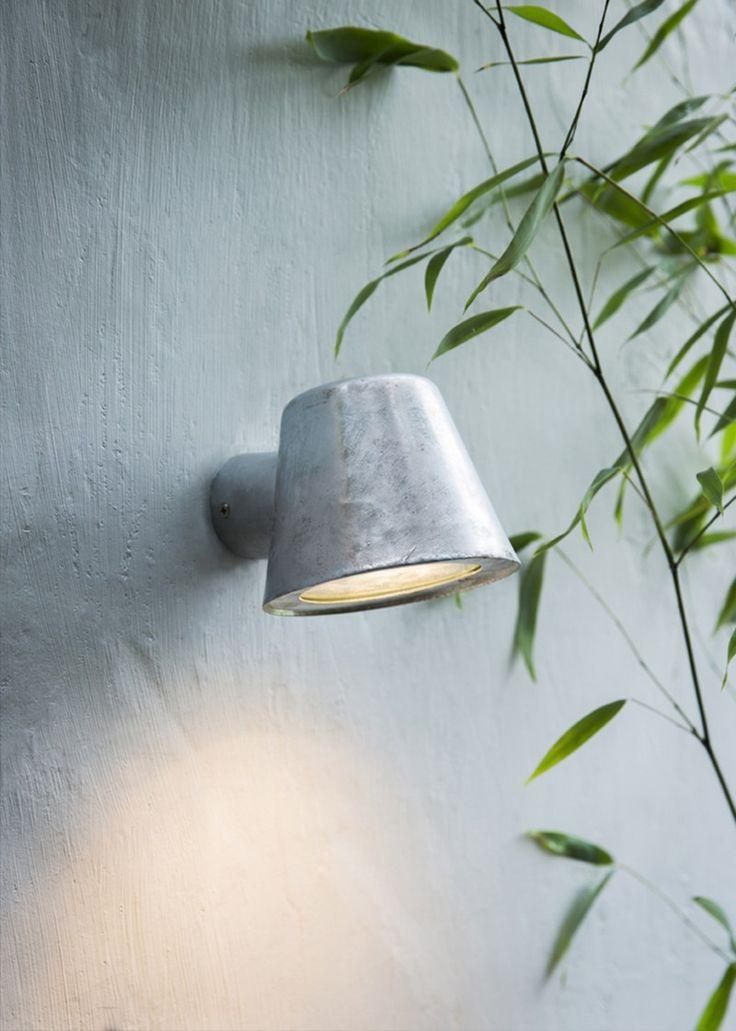 """Wandlamp / Spot """"St Ives Mast Light"""". Buitenverlichting in gegalvaniseerd staal. ✓tuinverlichting ✓buitenverlichting ✓buitenlamp"""