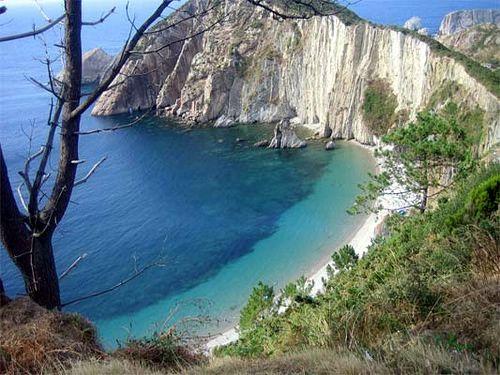 Playa del silencio-Lugo / Más en http://101lugaresincreibles.com/2012/08/7-paraisos-inalterados-de-espana.html