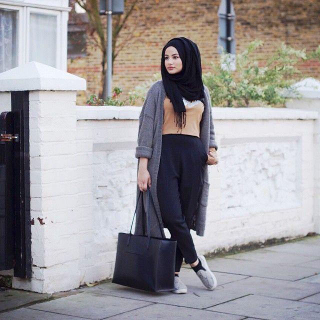 Ruba Zai (@Hijabhills)