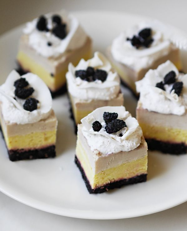 Coconut, pineapple & white chocolate raw cakes