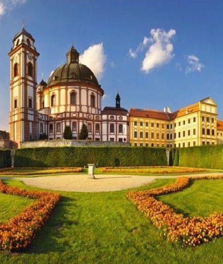 Jaroměřice nad Rokytnou castle, Czechia. #czechia #castle
