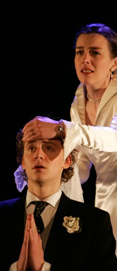 Theatre. Tom Hiddleston as Alsemero in The Changeling. Full size photo: http://imgbox.com/g34QpF95. Source: Torrilla, http://torrilla.tumblr.com/post/116549808880/tom-hiddleston-as-alsemero-in-the-changeling-33x