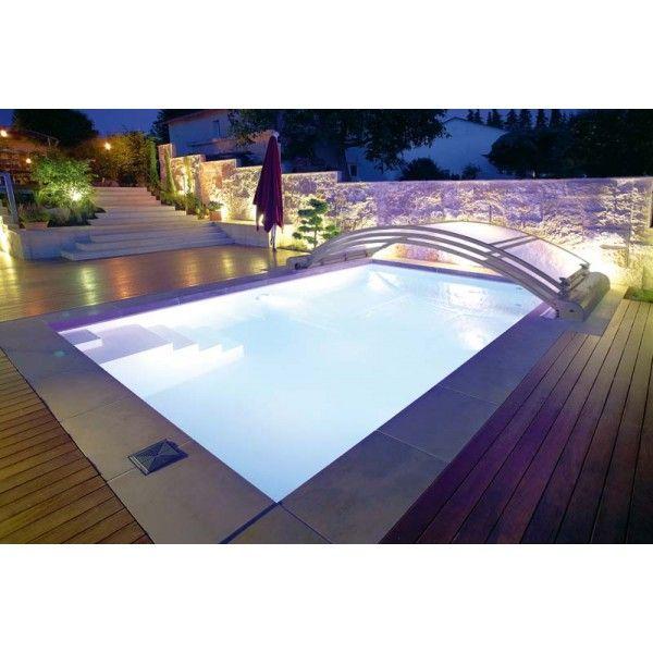 #Cubierta baja motorizada para #piscina con módulos de la misma dimensión. Se deslizan y se apilan automáticamente, fácil de utilizar. ¡Pide presupuesto!