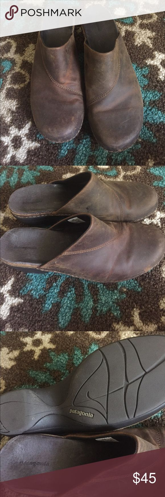 Patagonia clog Patagonia leather clogs size 8.5 excellent condition. Normal wear on the soft leather some scuffs on the clog. Can easily be buffed out. These are super comfortable and cute. Approx 2 inch heel Patagonia Shoes Mules & Clogs