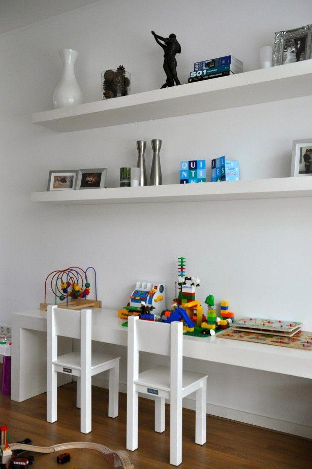 speelhoek in moderne woonkamer