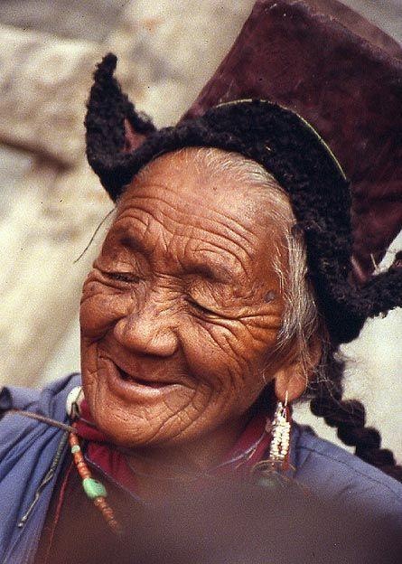 1989Stock-setchu-crazy-old-woman