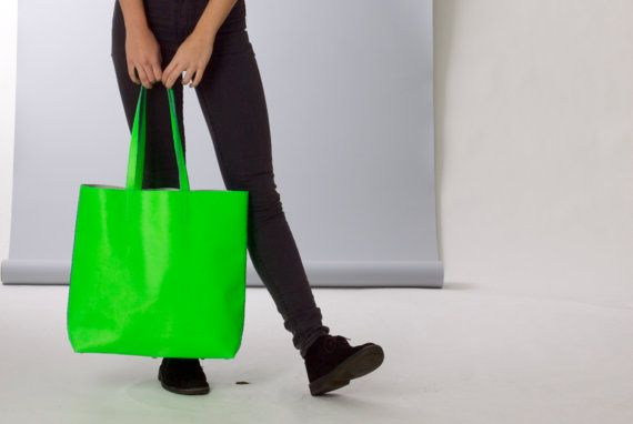 DIY package leather shopper with shoulderstraps by makebagsnotwar