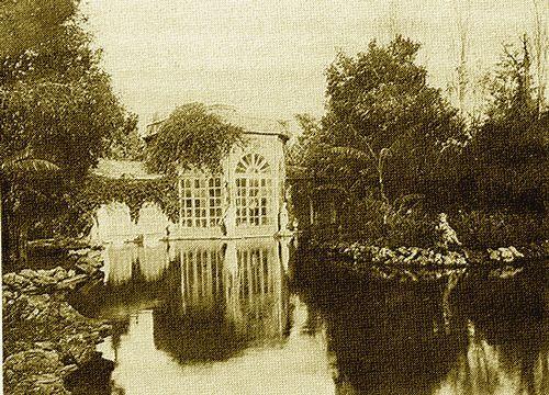 Villino Florio all'Olivuzza: il laghetto nel parco della villa