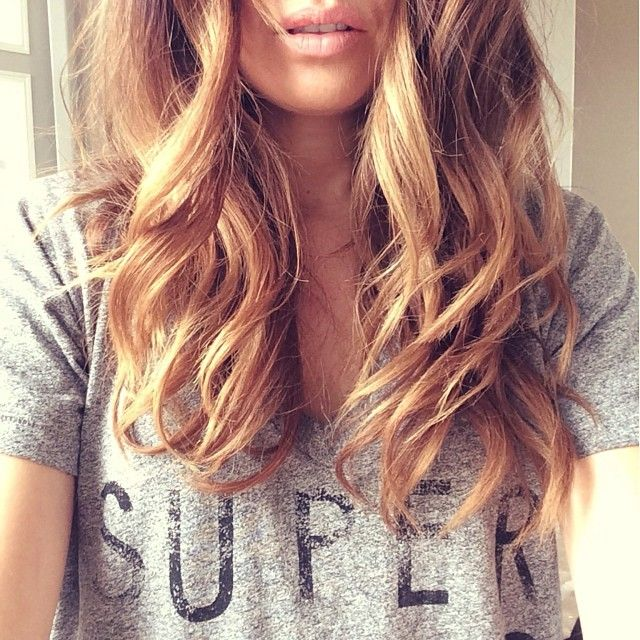 WEBSTA @ fashionedchicstyling - Hope everyone is having a super monday!  Having a super hair day thanks to my new #sultra bombshell curling iron. Love the effortless look of these soft waves! #nars lip pencil in bolero, and my favorite #currentelliott tee. #makeup #effortless #wavyhair #ombrehair #balayage #fashionblogger #style #fashion #nudelip #love #favorite #obsessed #naturalmakeup.