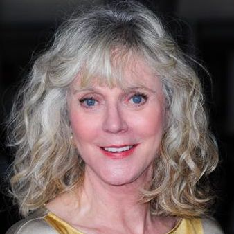 Blythe Danner :: Beautiful Gray Hair and such lovely skin.  See?  Aging is normal kitties.