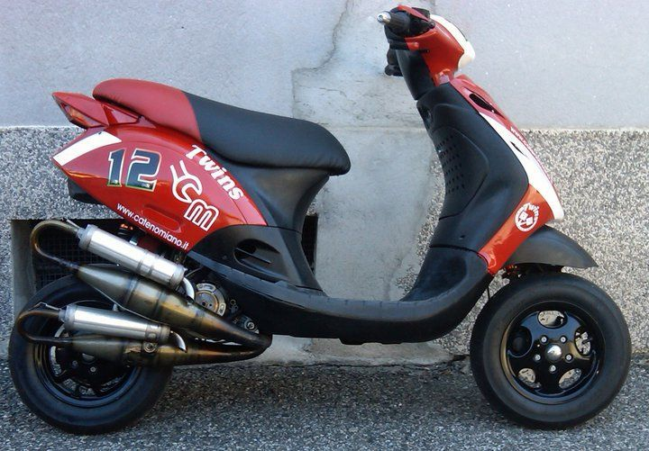 les 25 meilleures id es concernant scooter 50cc sur pinterest scooter 50 moto 50 cc et. Black Bedroom Furniture Sets. Home Design Ideas