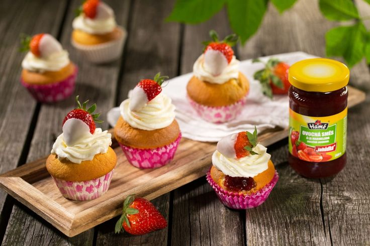 Jahodové cupcakes | HappyBaby.cz
