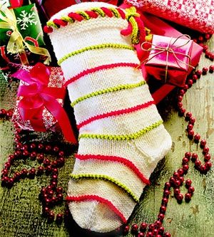 Knitted Christmas Stocking Patterns For Beginning : 53 best Knit Christmas stockings images on Pinterest