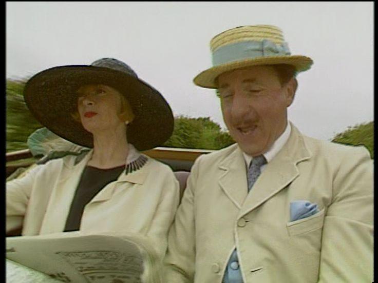Mapp & Lucia. 1985 TV series starring Geraldine McEwan, Prunella Scales, Nigel Hawthorne and Dennis Lill.