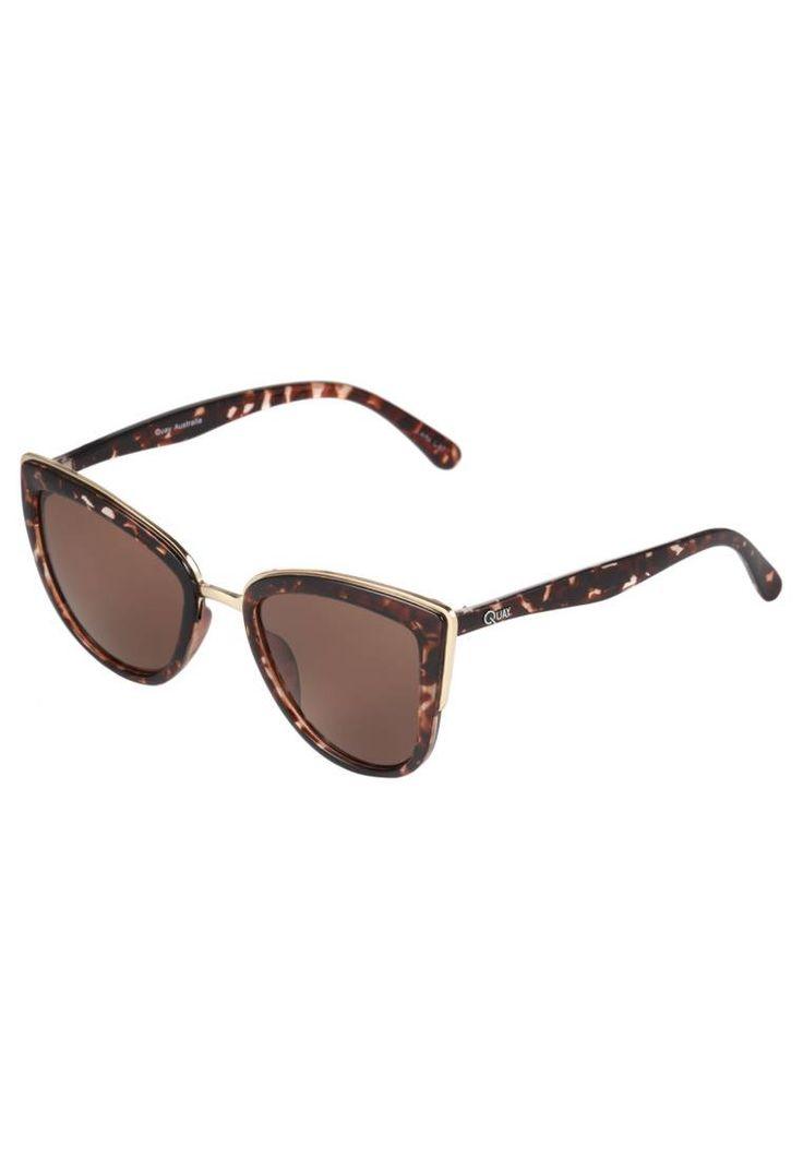 Quay. MY GIRL  - Lunettes de soleil - mottled brown. Forme des lunettes:papillon. Étui à lunettes:pochette en tissu avec cordon. largeur:15 cm en taille One Size. Motif / Couleur:couleur unie. Longueur des branches:14 cm en taille One Size. Filtre UV...