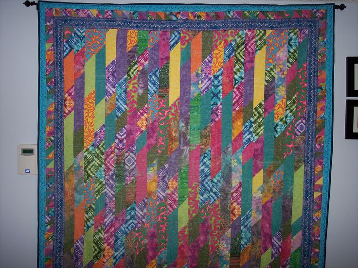 I made this from book about Super Simple Strips during the quilting weekend retreat.  I used bright colours I thought would look good.