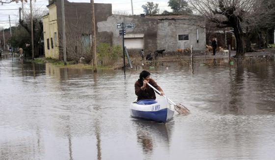 Las inundaciones entran en la campaña electoral argentina | Internacional | EL PAÍS
