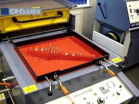 Hutsean forma ematea: CR Clarke Vacuum Forming Machine 1820
