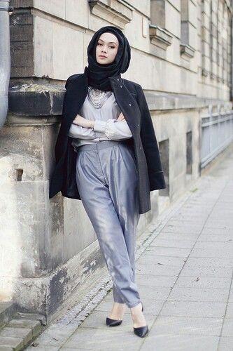Die Besten 17 Ideen Zu Dubai Street Fashion Auf Pinterest Hijab Stile Hijab Outfit Und Mode