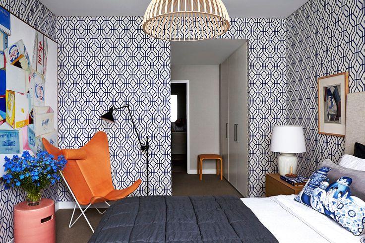 Обои для спальни: как определиться и 50 актуальных трендов для стильного интерьера http://happymodern.ru/oboi-dlya-spalni-43-foto-dizajn-vashej-mechty/ Незабываемый яркий дизайнерский декор спальни в стиле модерн
