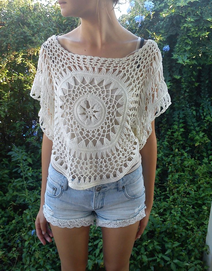 crochet patterned top + lace embellished shorts = SO CUTE.