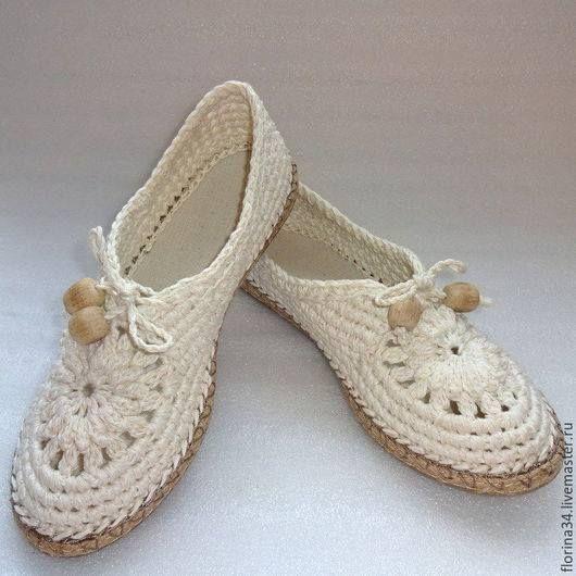 Örgü Ayakkabı ve Bot Yapımı   Kadinlarin sesi,kadın,yemek,örgü,elişi,bebek örgü modelleri