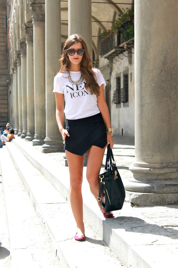 Zara Skort Outfit 2: white. white tshirt with funny sentence, cheeky ballerinas in bright pink