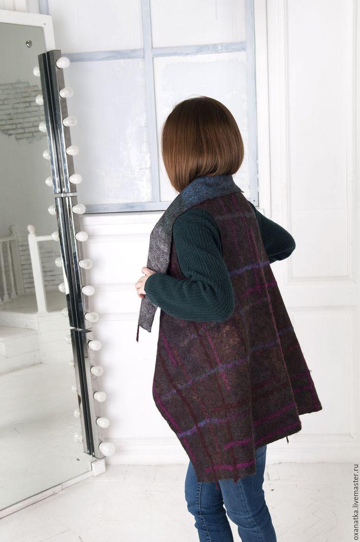 Купить Валяный жилет-трансформер Шотландия - бордовый, одежда из войлока, авторская ручная работа