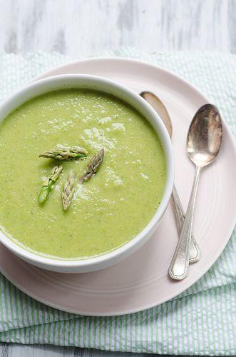 Chřestová polévka (nejlépe ale podle receptu z Apetitu http://www.apetitonline.cz/recepty/1499-klasicka-chrestova-polevka.html )