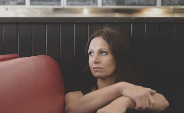 Kasey Chambers Thu 27 Nov. The storytelling songstress returns with a new album and national tour Australian singer and songwriter Kasey Chambers has broken a four-year solo album silence with the release of Bittersweet, her tenth studio album and 'a departure from the expected'.